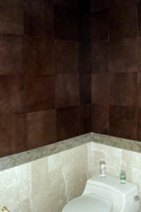 Muros cuero en baño